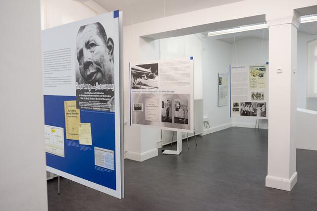 Die Ausstellung Radiologie im Nationalsozialismus wird seit 2014 auf Kongressen, in Medizinischen Fakultäten und in Museen als Sonderausstellungen gezeigt. Im Bild: Medizinhistorische Sammlung Kiel.