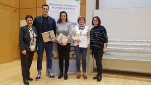 Die Gewinner/innen des Jubiläumsquiz mit der wissenschaftlichen Leitung Birgit Lenz und Claudia Mundry.
