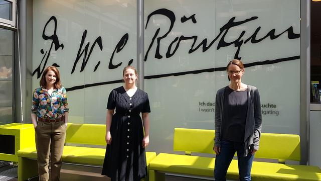 Anna Kätker, Claudia Donth und Sonja Klarhof vom Deutschen Röntgen-Museum betreuen das digitale Kinderprogramm. (v.l.n.r.)