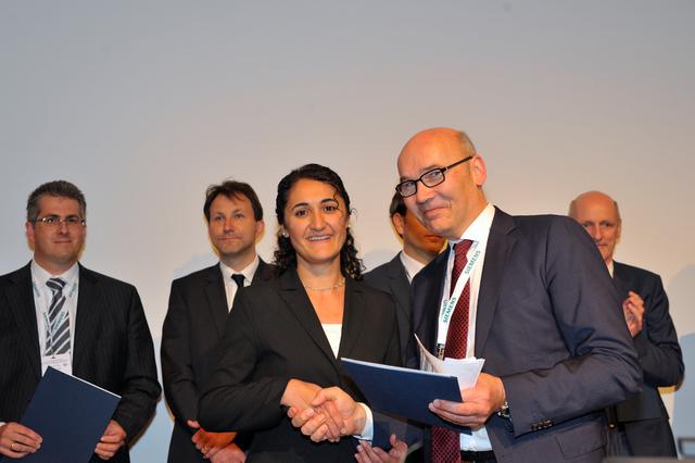 Dr. Perla Seyfer erhält den Promotionspreis